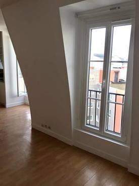 Location meublée studio 22m² Paris 18E (75018) - 795€