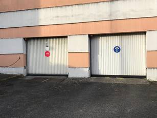 Location garage, parking Tours (37000) - 70 €