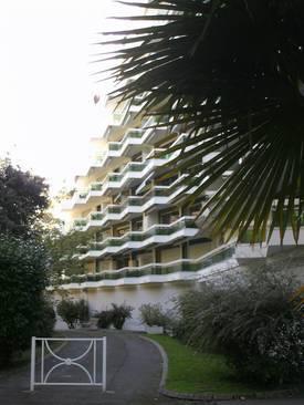 Pau (64000)