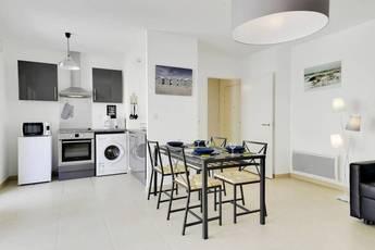 Location meublée appartement 2pièces 49m² Marseille 2E (13002) - 1.060€