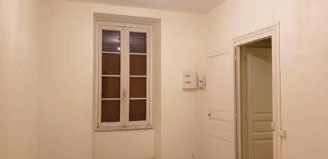 Vente appartement 3pièces 61m² Oloron-Sainte-Marie (64400) - 49.000€