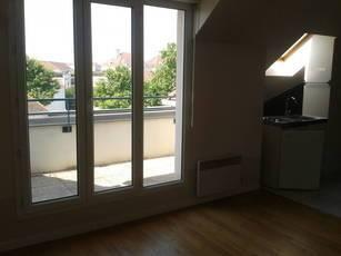 Location appartement 2pièces 31m² Carrières-Sur-Seine (78420) - 790€