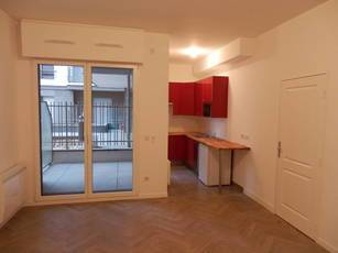 Location studio 34 m² Courbevoie (92400) - 865 €