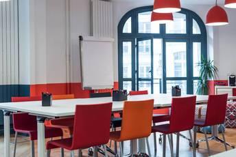 Location bureaux et locaux professionnels 43m² Paris 2E (75002) - 3.970€