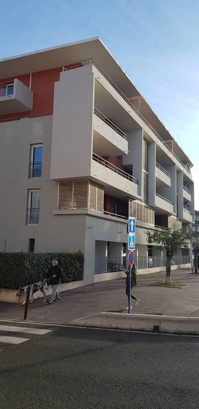 Avec Balcon Et Parking - Fréjus