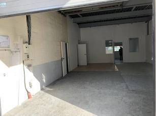 Location local d'activité 110m² Champigny-Sur-Marne (94500) - 1.600€