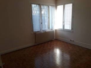 Location studio 28 m² Sartrouville (78500) - 713 €