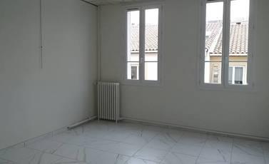 Location appartement 2pièces 47m² Marseille 4E (13004) - 690€
