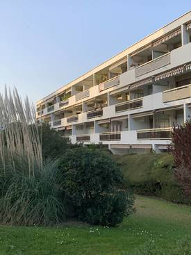 Location appartement 2 pièces 53 m² Antibes (06600) - 950 €