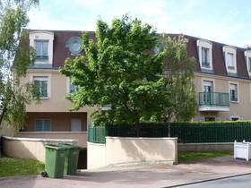 Location appartement 3pièces 70m² Neauphle-Le-Château (78640) - 1.150€