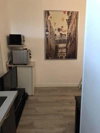 Location meublée studio 28m² Paris 17E (75017) - 1.080€