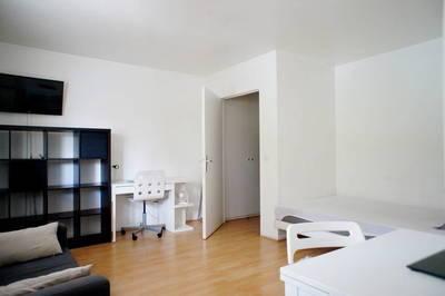 Location meublée studio 30m² Issy-Les-Moulineaux (92130) - 980€