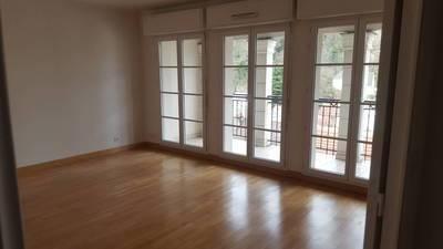 Location appartement 3pièces 65m² Le Plessis-Robinson (92350) - 1.500€