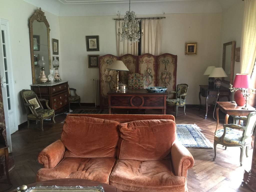 Location Appartement Nîmes (30000) 140m² 1.300€