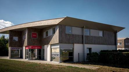 Location ou cession local commercial 190 m² Serris (77700) - 2.817 €