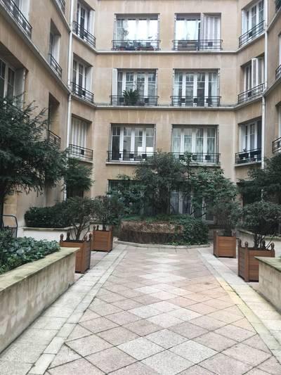 Location appartement 2pièces 44m² Paris 16E (75016) - 1.420€