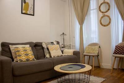Location meublée appartement 2pièces 30m² Paris 15E (75015) - 1.200€