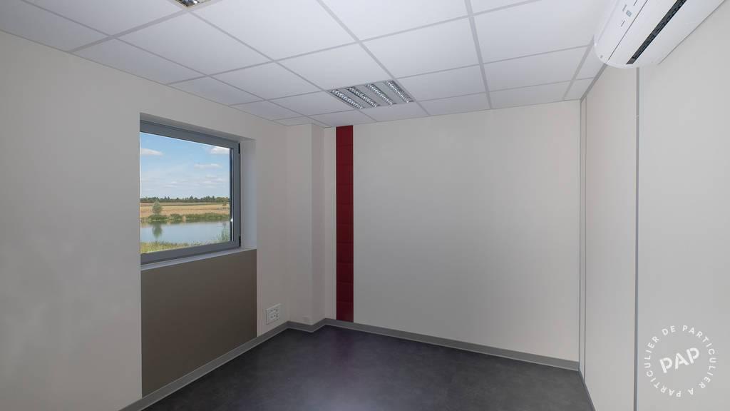 Bureaux et locaux professionnels 2.600€ 190m² Serris (77700)