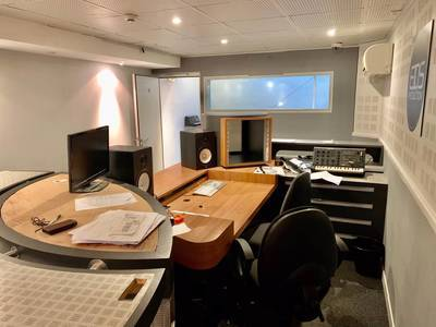 Bureaux, local professionnel Tourcoing (59200) - 64m² - 700€