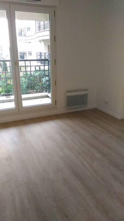 Location studio 23m² Issy-Les-Moulineaux (92130) - 750€