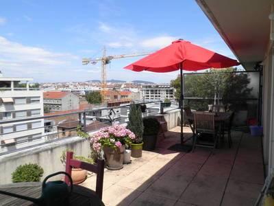 Location appartement 3pièces 66m² Lyon 7E (69007) - 1.140€
