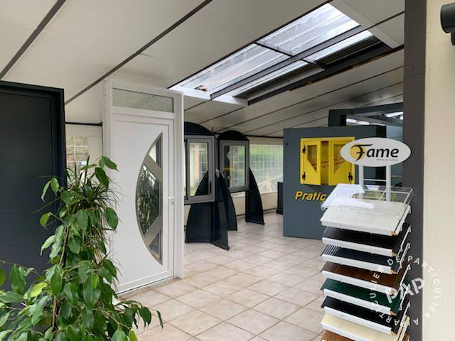 Location Local commercial 170m²