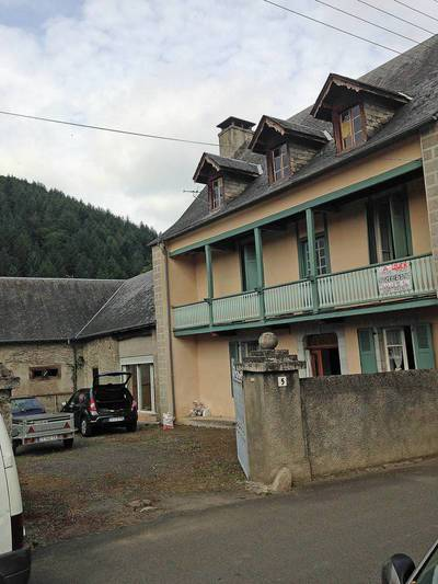 Location maison 188m² Pouzac - 890€