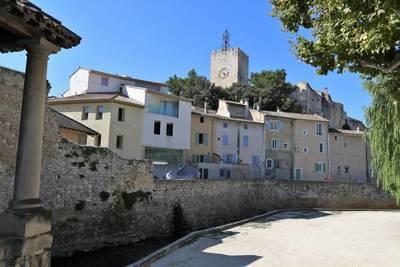 Pernes-Les-Fontaines (84210)