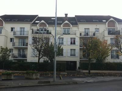 Location appartement 3pièces 55m² Montmagny (95360) - 908€