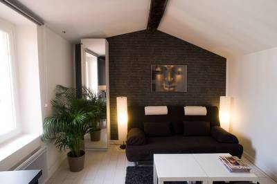 Location meublée studio 18m² Lyon 4E (69004) - 660€