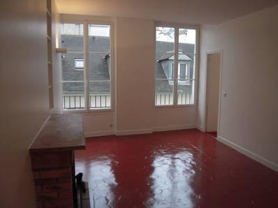 Location appartement 3pièces 55m² Paris 2E (75002) - 2.050€