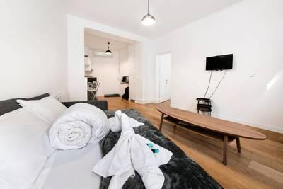 Location meublée appartement 2pièces 45m² Paris 15E (75015) - 1.700€