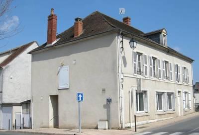 Vente maison 228m² Dun-Sur-Auron - 95.000€