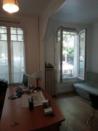 Location studio 34m² Courbevoie (92400) - 930€