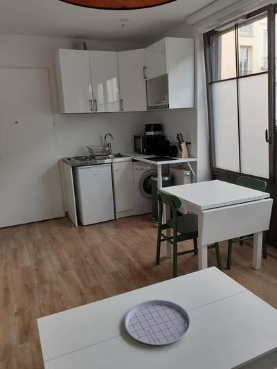 Location meublée studio 24m² Versailles (78000) - 770€