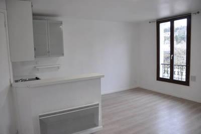 Location studio 26m² Saint-Maur-Des-Fossés (94210) - 715€