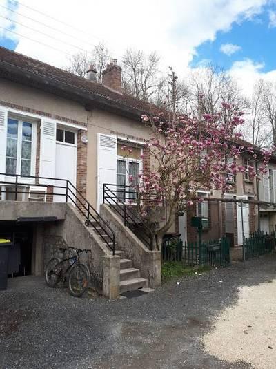 Location maison 72m² Longueville (77650) - 990€