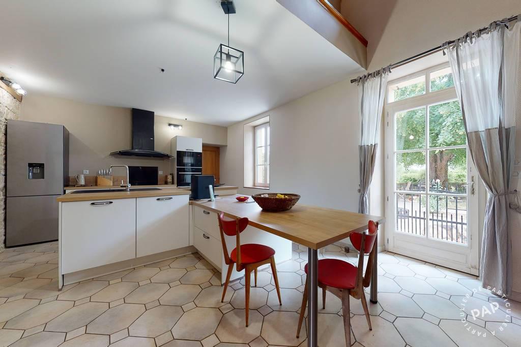 Maison Levet 393.000€
