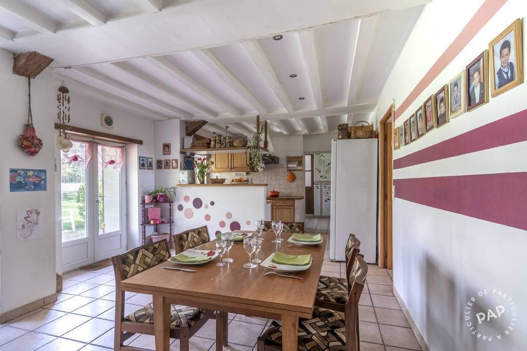 Maison Oyré 649.000€