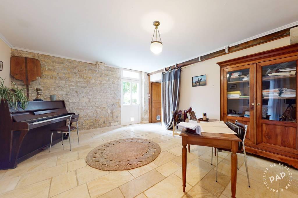 Maison 393.000€  Levet
