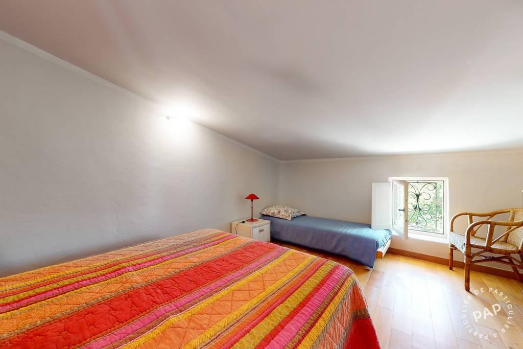Immobilier 6 Km Apt - Route De Villars 820.000€ 322m²