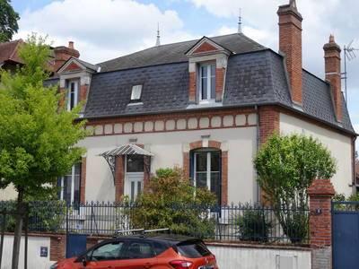 Aubigny-Sur-Nère (18700)
