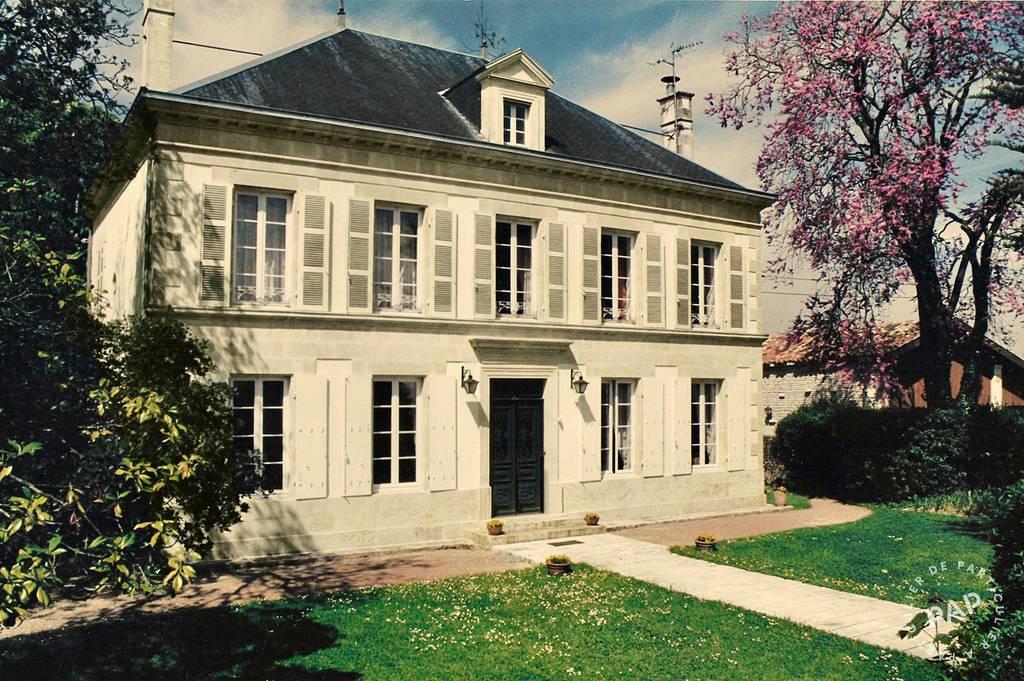 Vente Maison Villeneuve-La-Comtesse 266m² 495.000€