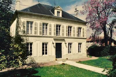 Villeneuve-La-Comtesse