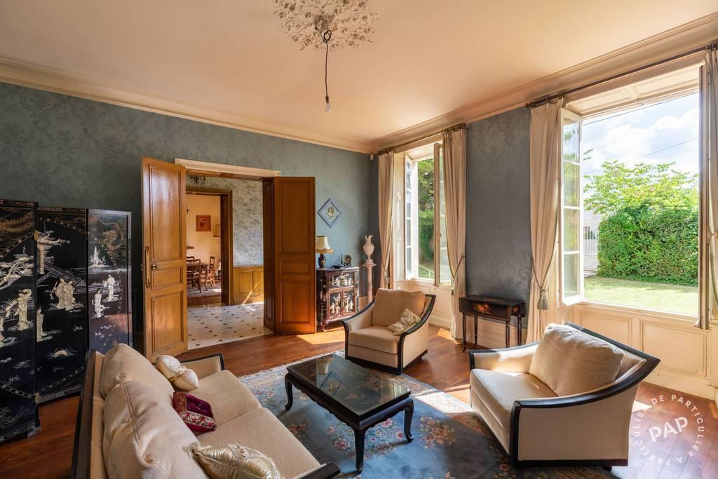Maison Villeneuve-La-Comtesse 495.000€