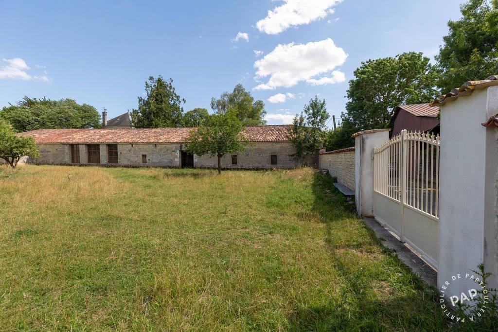 Immobilier Villeneuve-La-Comtesse 495.000€ 266m²