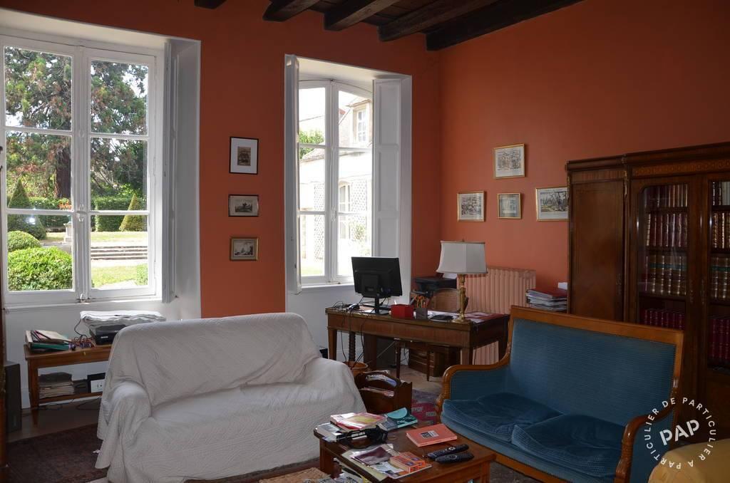 Vente immobilier 450.000€ Saint-Amand-Montrond (18200)