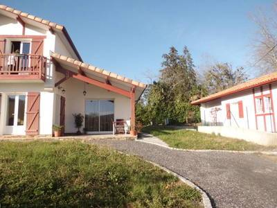 Cambo-Les-Bains (64250)