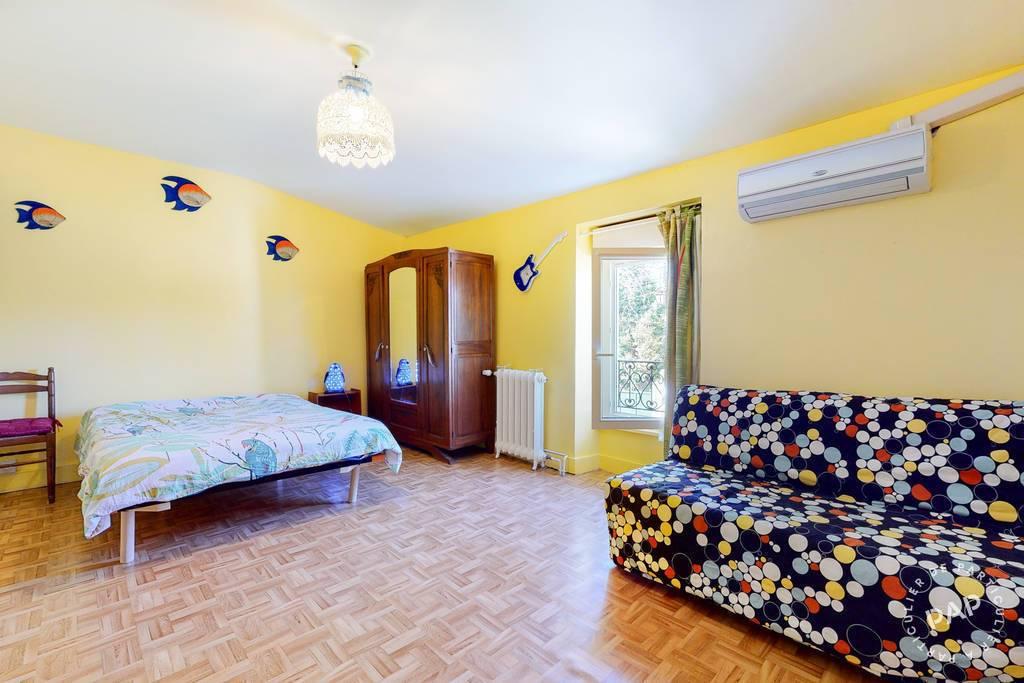 Immobilier 8 Km De Lyon À Saint Priest Village 425.000€ 119m²