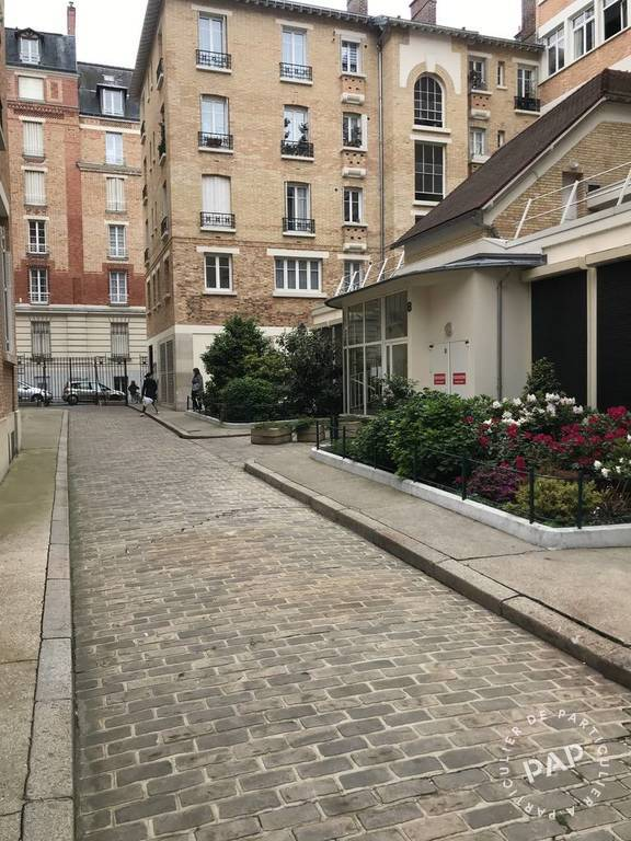 Location immobilier 950 € Paris 15E (75015)